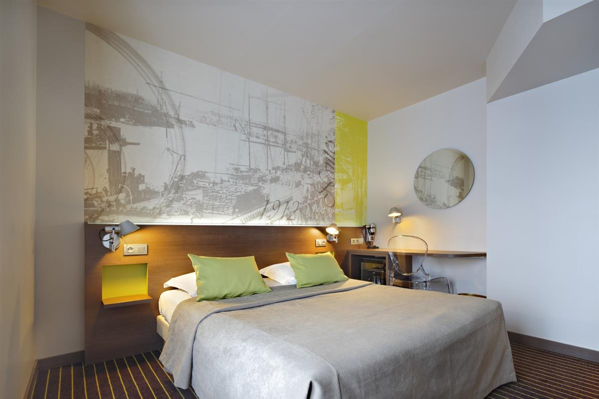 Chambre double chambres d 39 h tel nantes h tel amiral for Hotel chambre